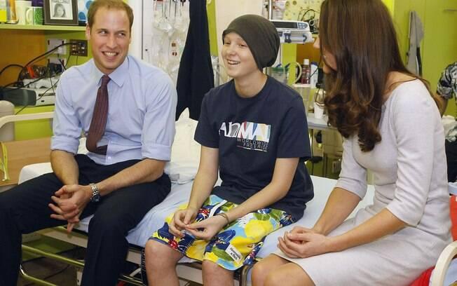 Príncipe William e Kate Middleton inauguraram um centro de apoio às crianças com câncer