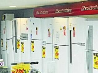Consumidor abriu mão do fogão e da geladeira para comprar TV