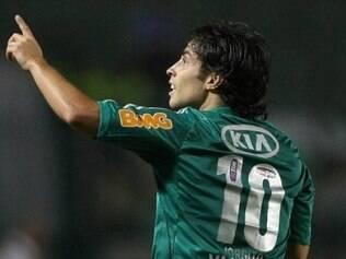 Valdivia voltou a jogar bem e tem sido um dos destaques do Palmeiras, mas as lesões o tem atrapalhado