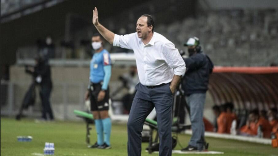 Analista do departamento de scout do clube rubro-negro fez duras críticas ao treinador