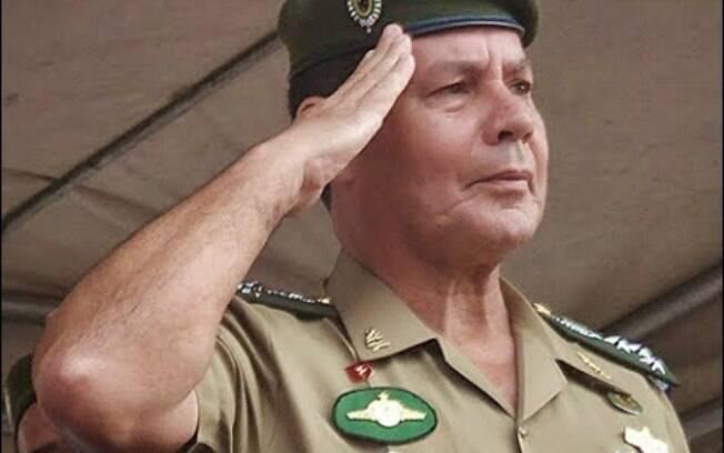 General Antonio Hamilton Mourão, secretário de Economia e Finanças do Exército, sugeriu intervenção militar no País