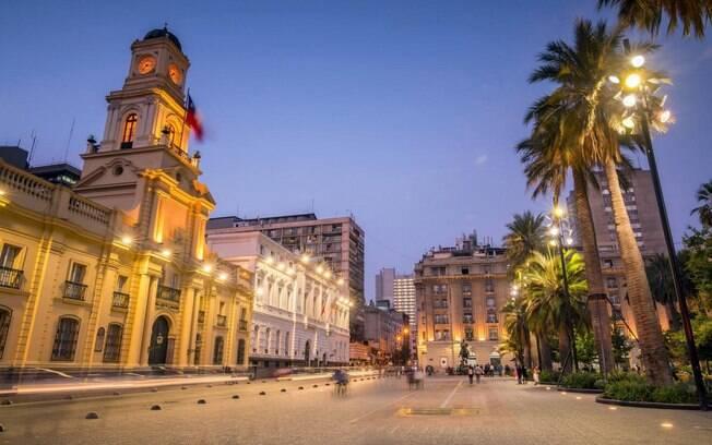 Santiago, capital do Chile, agrada diversos tipos de turistas