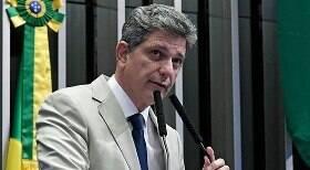 Senador do PT selou acordo entre Bolsonaro e Câmara