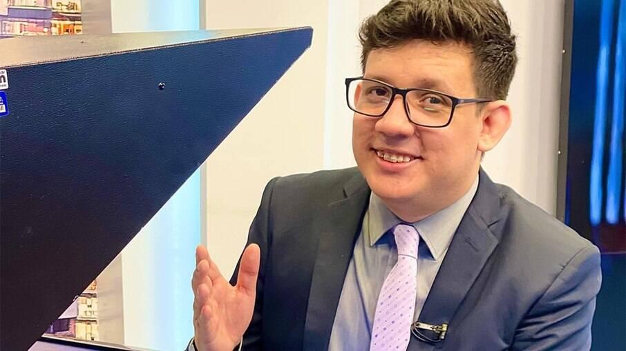 Erlan Bastos renova contrato com a TV Cidade