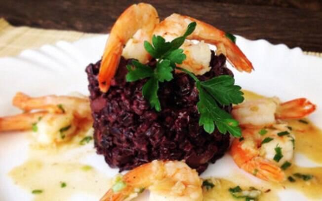 Nutricionista destaca as propriedades nutritivas do arroz negro para o organismo