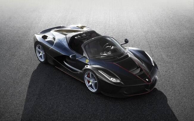 Ferrari trabalhou na rigidez da estrutura e na parte aerodinâmica do conversível