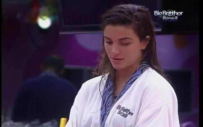 Laisa usa peça do eliminado João Maurício