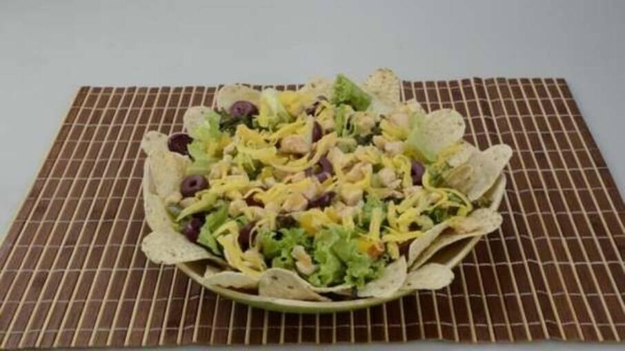 Salada mexicana fica pronta rápido e é deliciosa