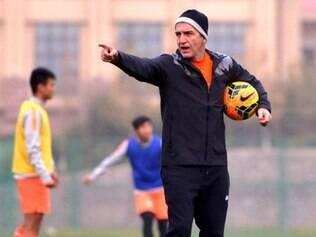 Equipe chinesa é comandada pelo técnico Cuca