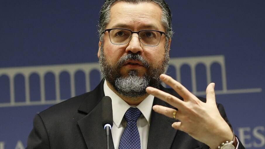 Ernesto Araújo irá depor à CPI da Covid nesta terça-feira (18)