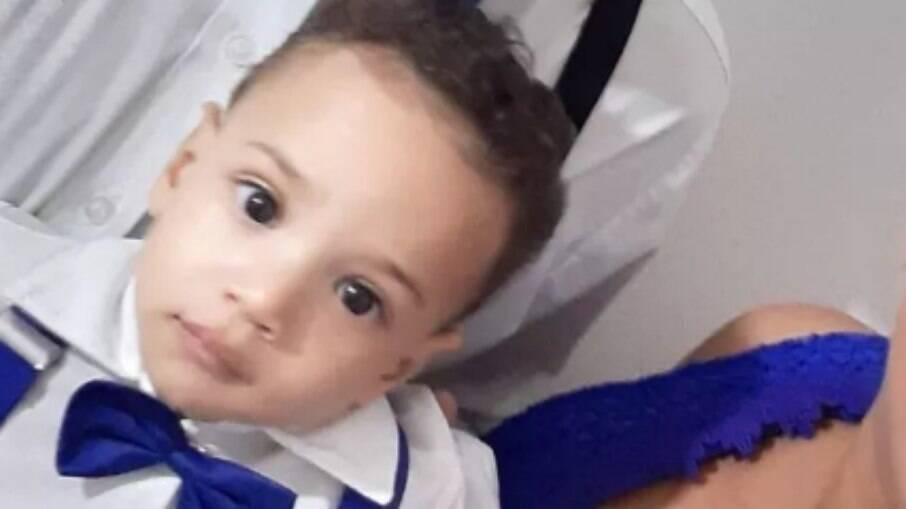 Bebê morre após ser esquecido no carro no dia mais quente do ano em Bauru-SP