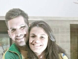 Paixão conjunta. Gustavo e Carina sempre dividiram o amor pelo futebol