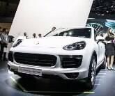 Porsche traz novo Panamera e versão híbrida do Cayenne