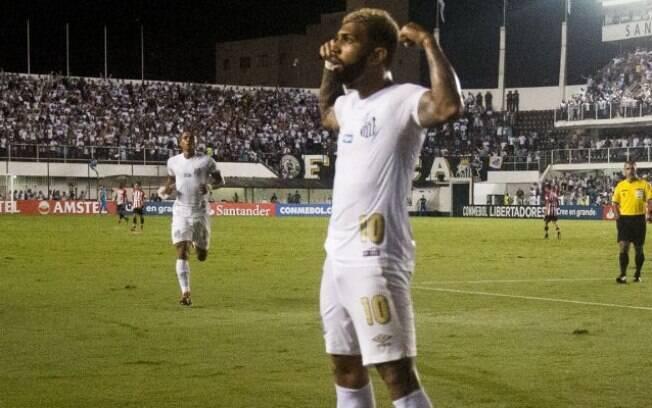 Gabigol superou jejum de dois meses e marcou o primeiro gol do Santos sobre o Estudiantes