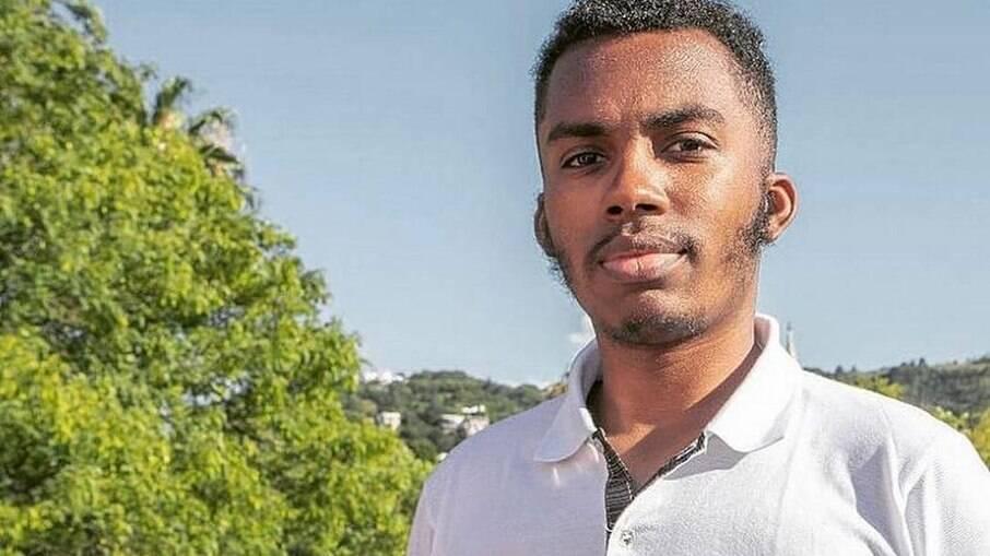 Estudante de Políticas Públicas da UFRGS Jota Júnior