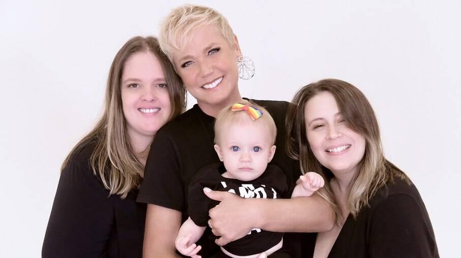 Vanessa Alves diz que livro infantil sobre dupla maternidade de Xuxa pode ajudar a levar representatividade para mais famílias formadas por casais homoafetivos