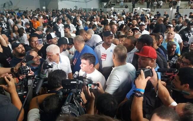 Em eleições do Corinthians, em fevereiro, houve confusão e discussões entre candidatos