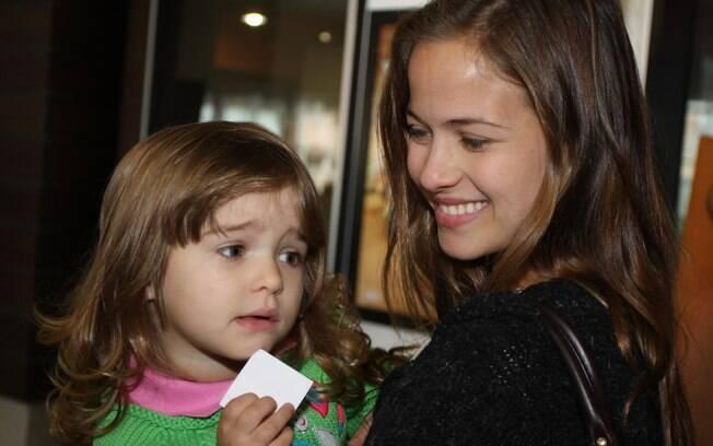 Luiza Valdetaro com a filha Maria Luiza em 2010