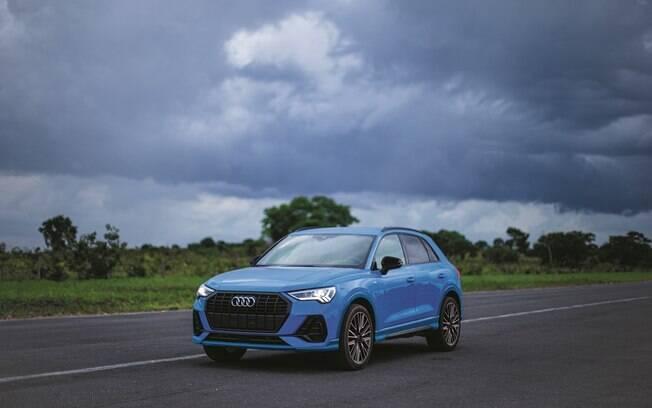 Audi Q3 Black S line terá novos para-choques e, por dentro sistema de navegação por satélite e detalhes pintados de preto brilhante