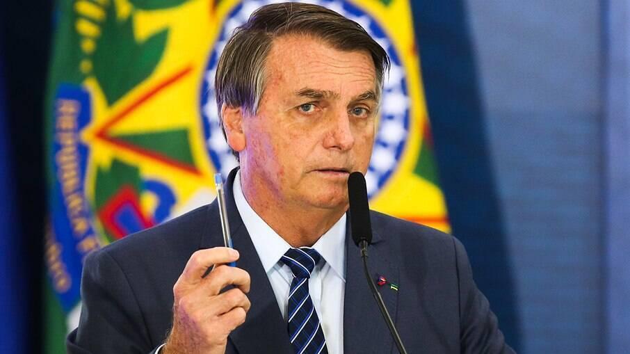 Presidente brasileiro insinuou nesta quarta-feira que a crise na Argentina aumentou com a gestão de Alberto Fernández, líder da esquerda