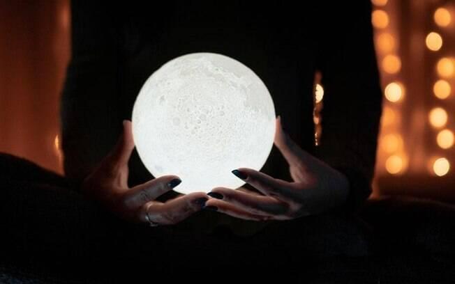 Ritual da Lua Cheia: abundncia e transformao financeira