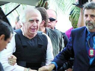 Ex-médico Roger Abdelmassih, de 70 anos, chega ao Aeroporto de Congonhas, na zona Sul de SP, na tarde de quarta-feira (20)