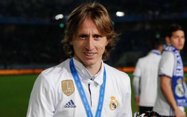 O croata Luka Modric, do Real Madrid, conquistou o prêmio de melhor jogador da Uefa na temporada