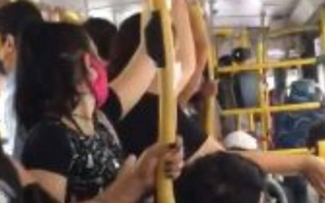 Pandemia: passageiros reclamam de lotação em linha 386 em Campinas