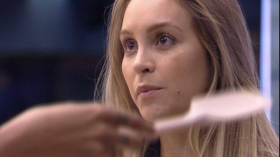 Carla Diaz comenta atitudes de Arthur com Pocah