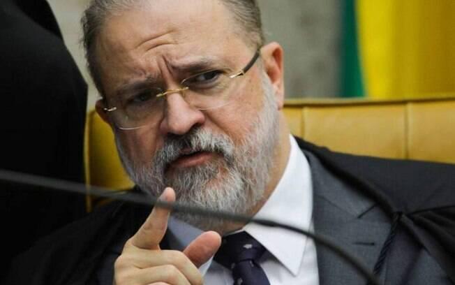Augusto Aras solicita apuração do envolvimento de quatro deputados do PSL