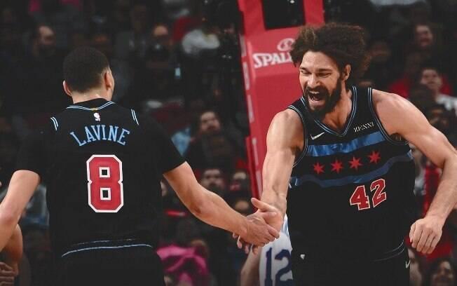 Último lance da partida teve que ser disputado duas vezes antes que a vitória dos Bulls se confirmasse