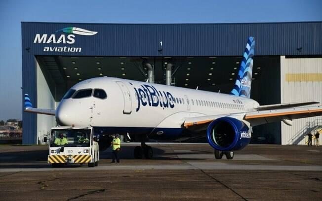 JetBlue recebe seu primeiro Airbus A220