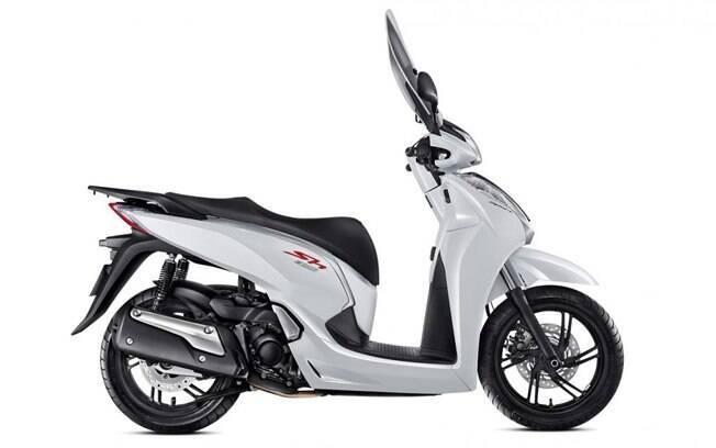 A cor branca perolizada é única e exclusiva da nova versão Sport do Honda SH 300i