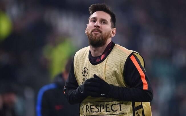 Lionel Messi começou a partida contra a Juventus pela Liga dos Campeões no banco de reservas