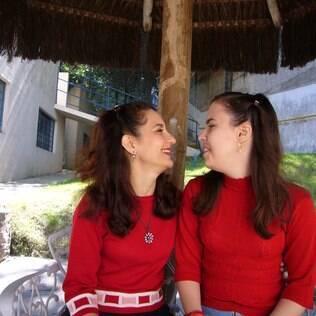 Eliana e a filha Nathália, com 27 anos: 'Disseram que ela nunca falaria. Nathália hoje é alfabetizada e expressa sensações elaboradas, como a saudade'