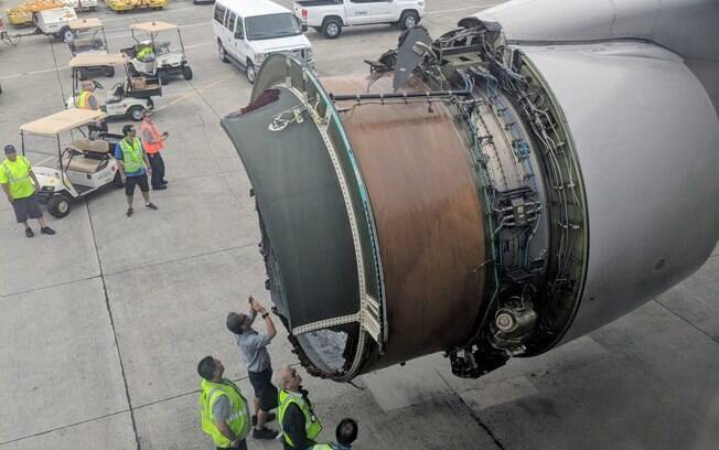 Passageiros gravaram momentos de terror quando motor de avião começou a se desintegrar durante o voo