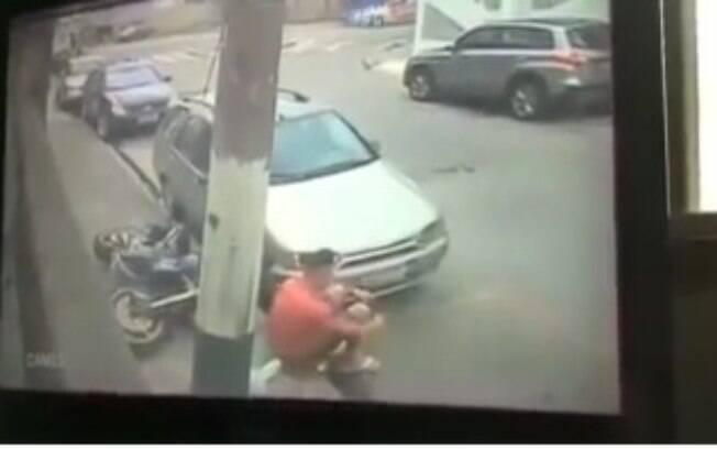Ladrão brasileiro enganou os policiais e vídeo viralizou no mundo inteiro