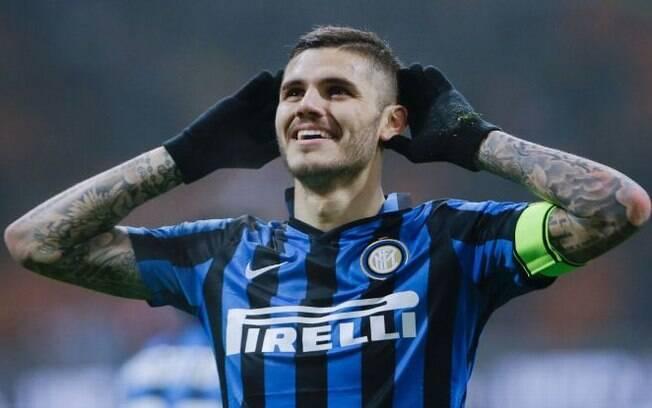O argentino Mauro Icardi deve renovar com a Inter de Milão, apesar do assédio de outros clubes