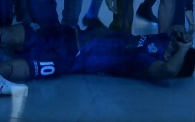 O atacante Keno foi atingido por estilhaços de vidro após jogo no Egito