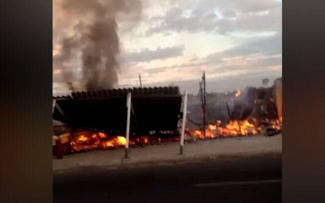 Incndio na madrugada atinge bar Jardim Marisa 2 em Campinas