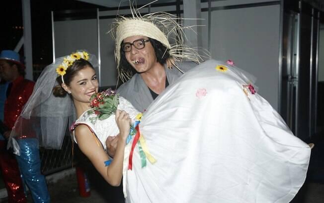 Sophie Charlotte e Daniel Rocha participaram de um arraial na noite desse domingo (09) no Rio de Janeiro