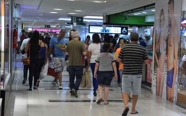 Shoppings devem abrir já nesta quinta-feira (11)