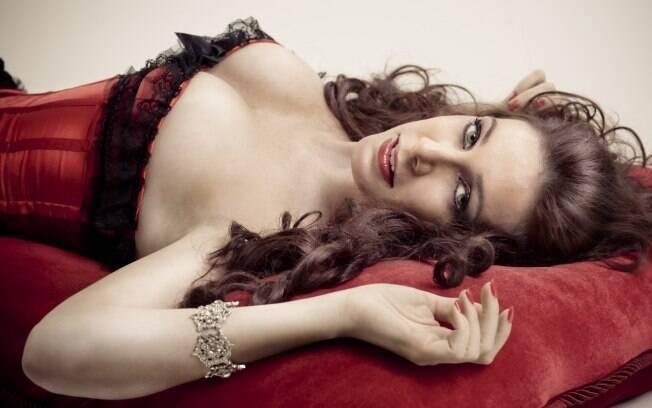 A ex-garota de programa Vanessa de Oliveira conta os segredos da mulher boa de cama