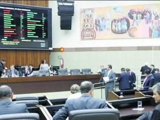 Plenário. Após um bate-boca entre a base governista e a oposição, reunião terminou por falta de quórum