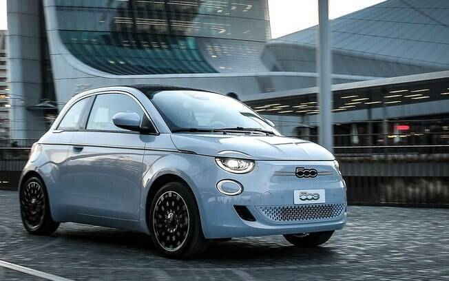 Fiat 500e: também está com a chega confirmada ao Brasil, mas apenas no segundo semestre por causa da pandemia