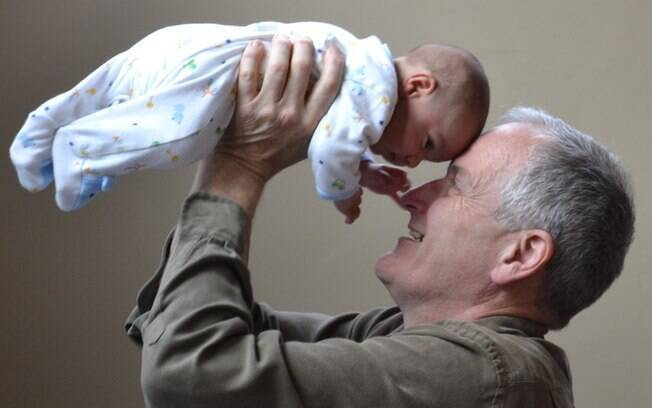 Licença para avós substitui a licença paternidade e somente poderá ser concedida quando o nome do pai não for declarado