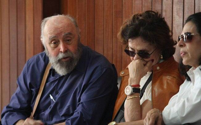 Mauro Mendonça e Rosamaria Murtinho também compareceram ao velório de Marly Bueno