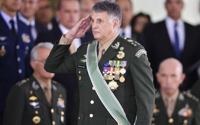 O novo comandante do Exército, general Edson Leal Pujol, defendeu que os militares sejam excluídos da reforma da Previdência