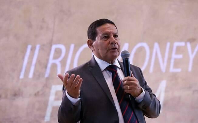 Vice assumiu presidência durante licença médica de Jair Bolsonaro