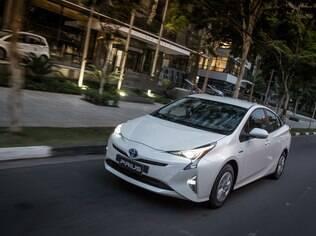 Uma das vatagens do Prius é o rodar silencioso e confortável